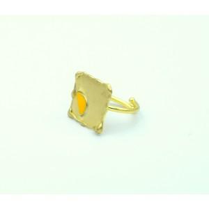 Χειροποίητο δαχτυλίδι τετράγωνο από ορείχαλκο επιχρυσωμένο με κίτρινο μισοφέγγαρο σμάλτο