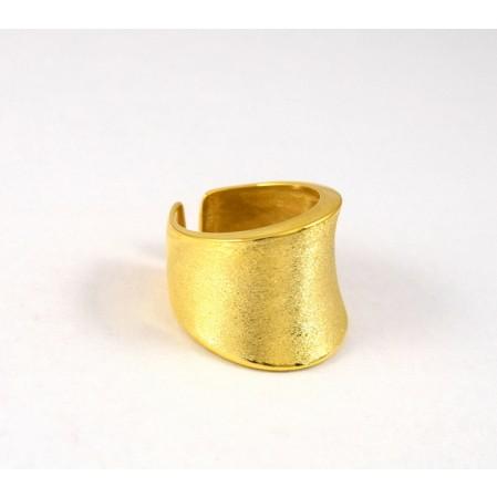 """Δαχτυλίδι """"σαμαράκι"""" μεγάλο πιο φαρδύ νο4 με σαγρέ φινίρισμα κατάλληλο και για σεβαλιέ,από επιχρυσωμένο ασήμι 925"""